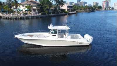View 2015 BOSTON WHALER 320 OUTRAGE - Listing #301483