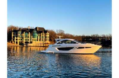 View 2021 Cruisers Yachts 50 Cantius - Listing #306139