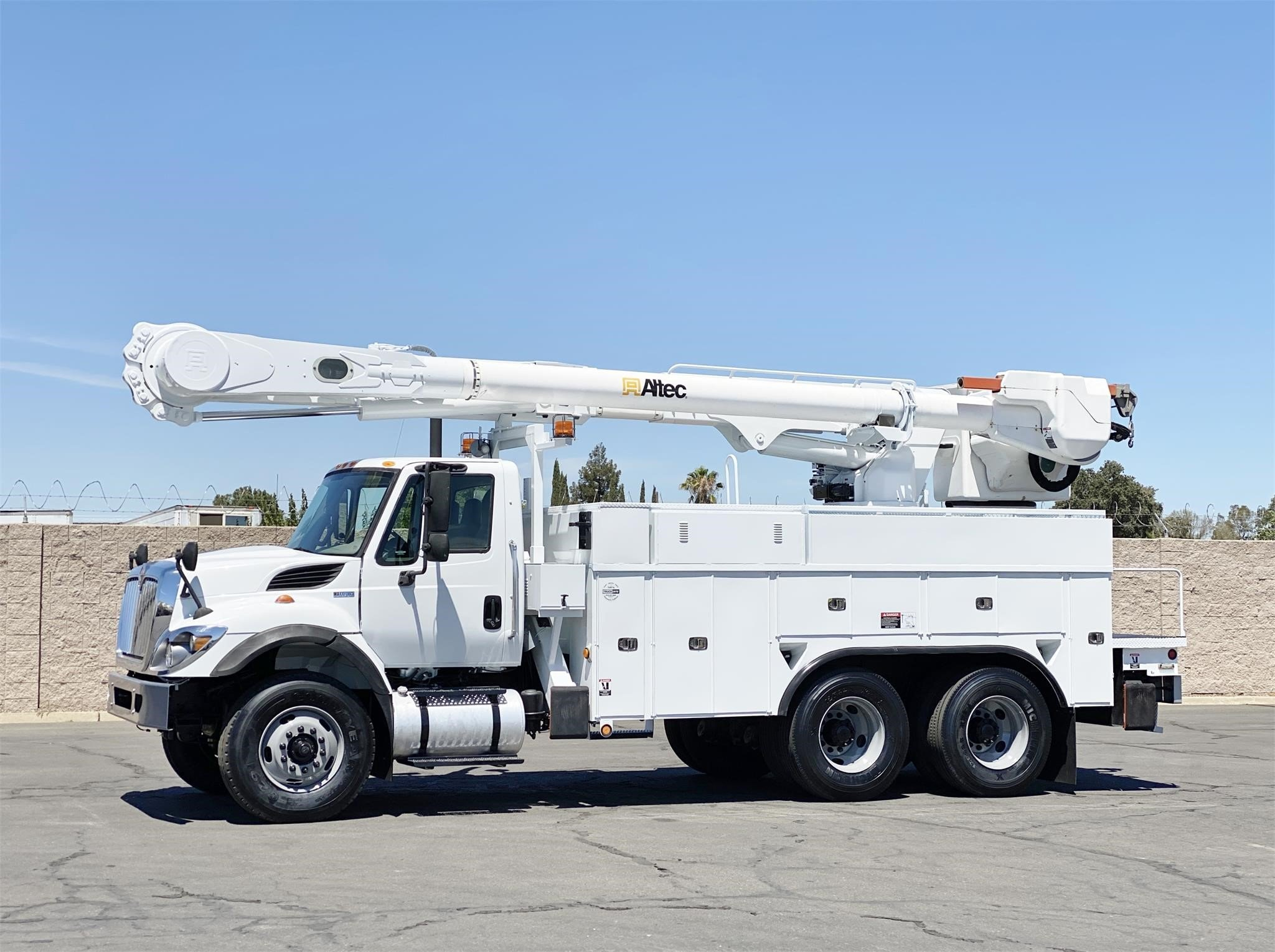 View 2012 ALTEC AM55MH - Listing #1573865