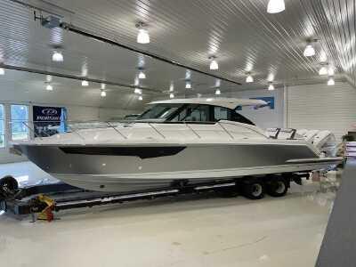View 2022 Tiara Yachts 43 LE - Listing #290742