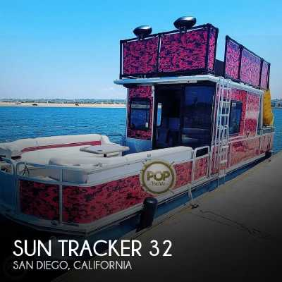 View 2000 Sun Tracker Party Cruiser 32 - Listing #298758