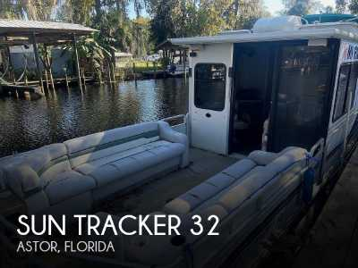 View 2000 Sun Tracker 32 Party Cruiser - Listing #120801