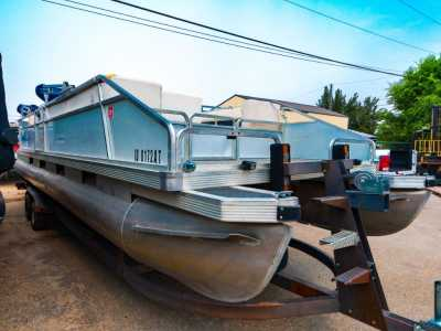 View 1987 Sun Tracker Party Barge 28 - Listing #300667