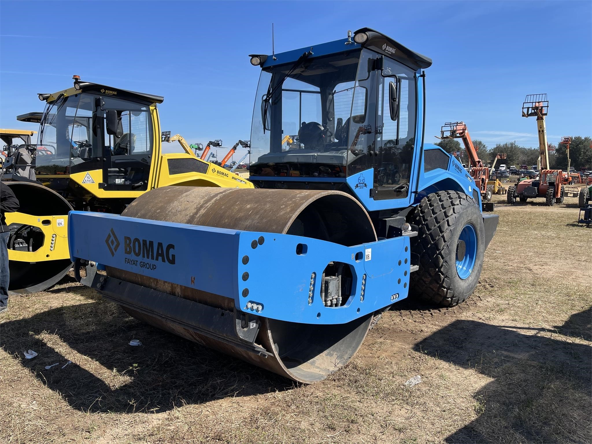 View 2017 BOMAG BW213D-5 - Listing #18724074