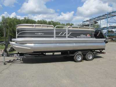 View 2022 Sun Tracker Party Barge 20 - Listing #309677