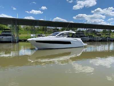 View 2020 Cruisers Yachts 39 Express Coupe - Listing #290904