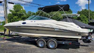 View 2005 Sea Ray SUNDECK 270 - Listing #301864