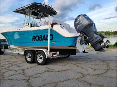 View 2006 Robalo Center Console R240 - Listing #308453