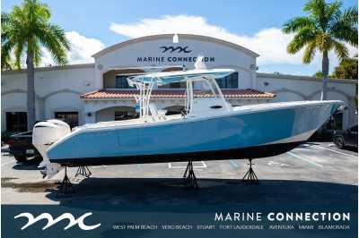 View 2021 Cobia 320 CC - Listing #311708
