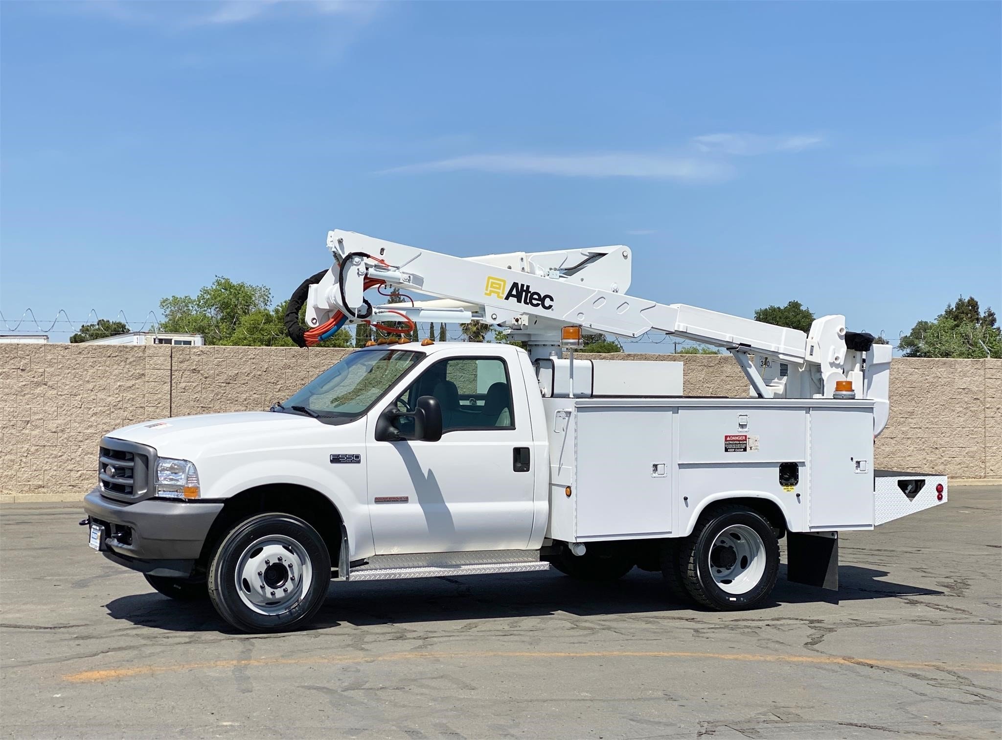 View 2003 ALTEC AT37G - Listing #1573848