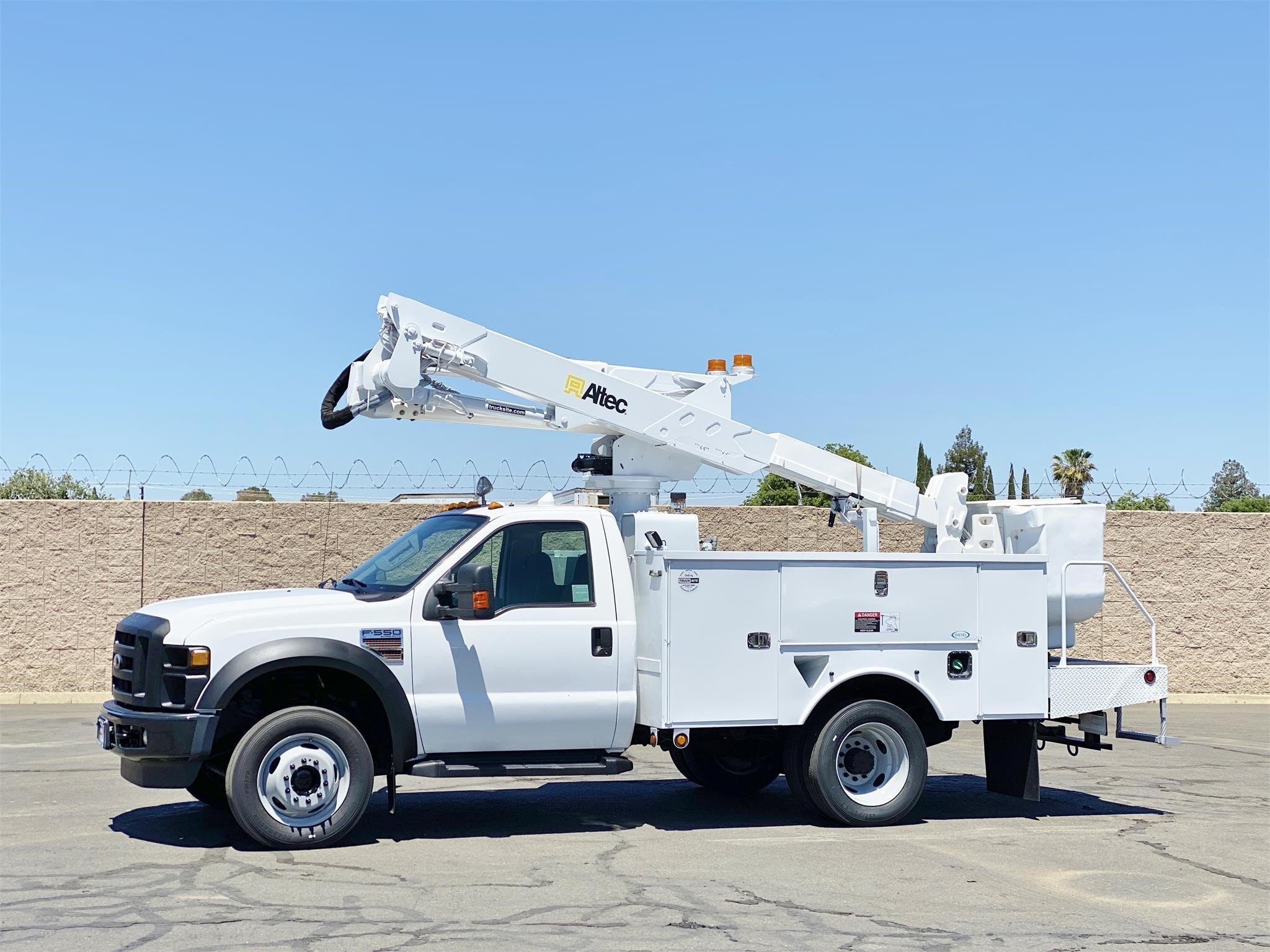 View 2010 ALTEC AT37G - Listing #1573870