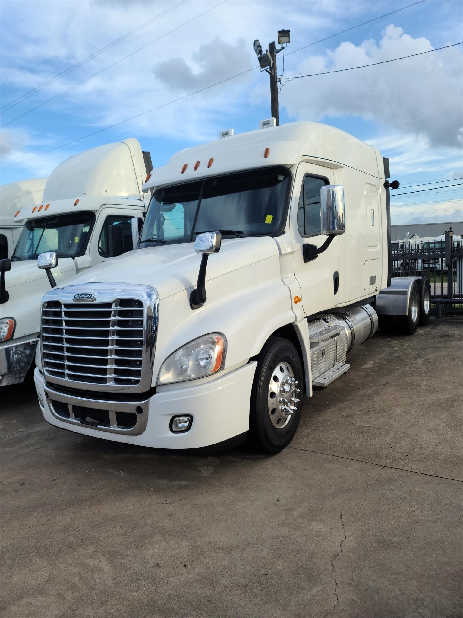 View 2016 FREIGHTLINER CASCADIA 125 - Listing #1627202