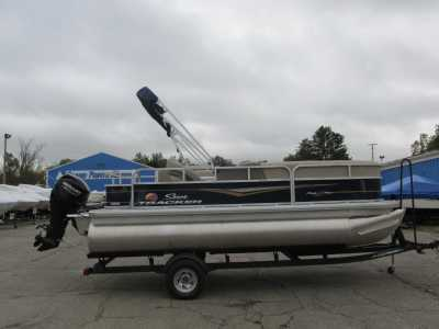 View 2022 Sun Tracker Party Barge 18 DLX - Listing #318237