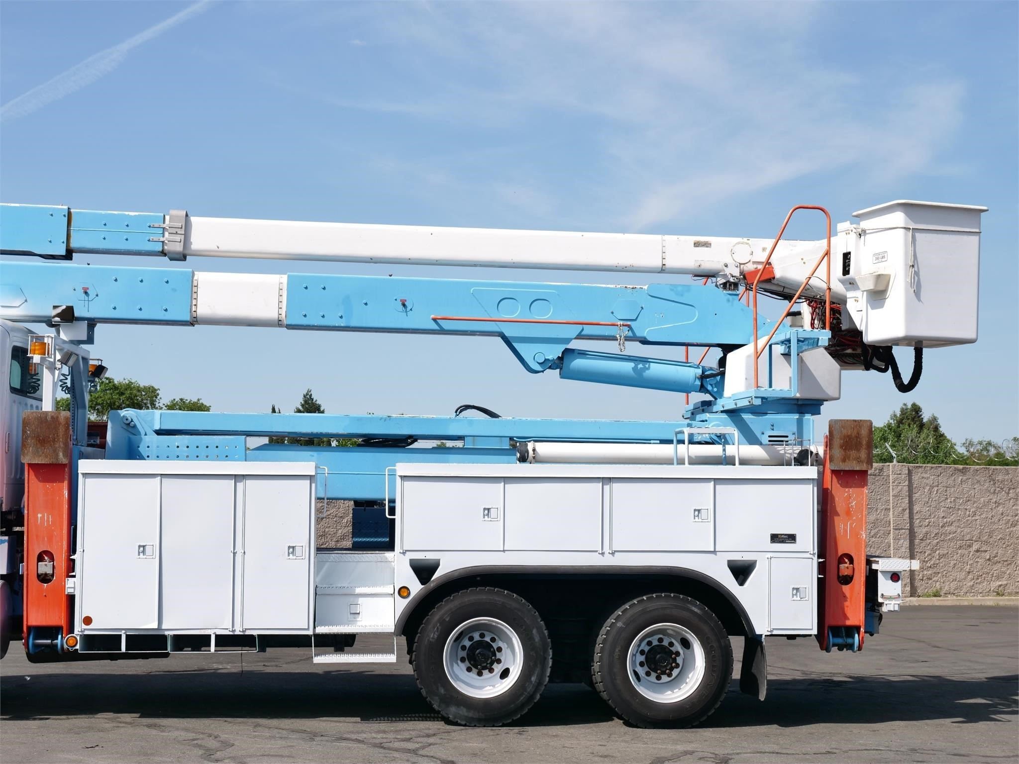 View 2006 ALTEC A77T - Listing #1551639
