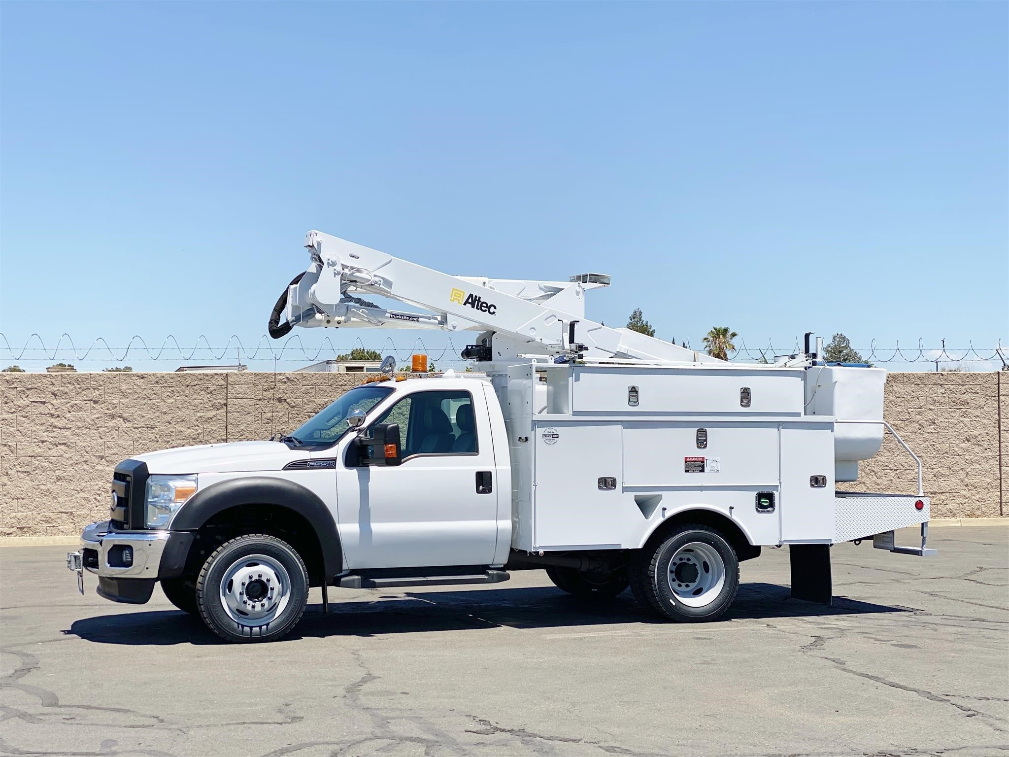 View 2012 ALTEC AT37G - Listing #1611687