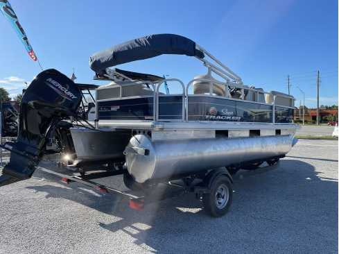 View 2021 Sun Tracker PARTY BARGE 18 DLX - Listing #304929