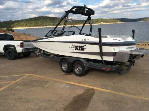 View 2014 Axis Wake Research A22 - Listing #320039