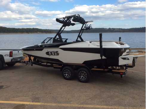 View 2022 Axis Wake Research A22 - Listing #320044