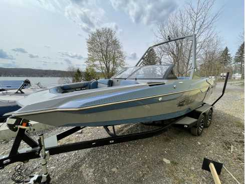 View 2021 Axis Wake Research A20 - Listing #306655