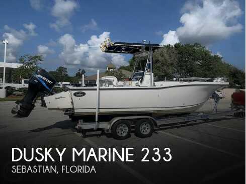 View 1995 Dusky Marine 233/252 - Listing #321026